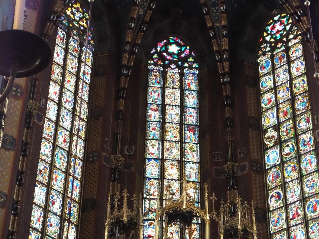 クラクフの聖マリア教会のステンドグラス