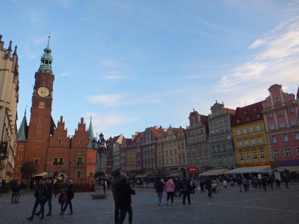 ヴロツワフ旧市街のカラフルな街並み