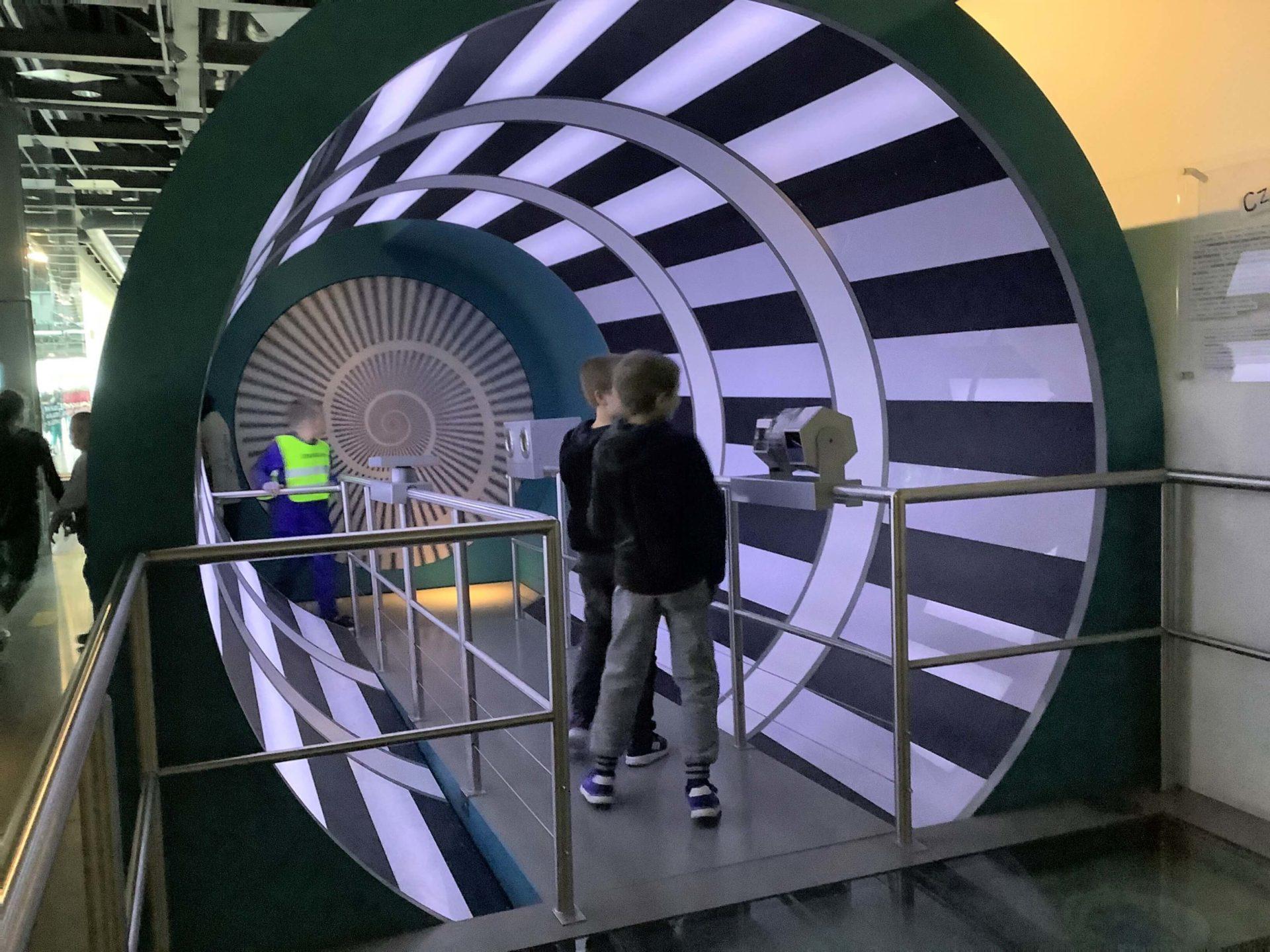 ワルシャワのコペルニクス科学センターの展示物