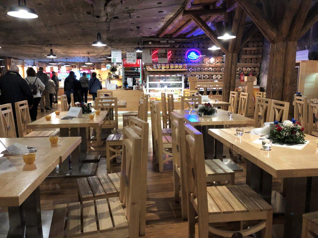 ヴィエリチカ岩塩抗の地中レストラン