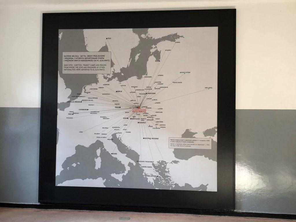 アウシュヴィッツ収容所にある、ユダヤ人がヨーロッパ中から来たことが分かる地図