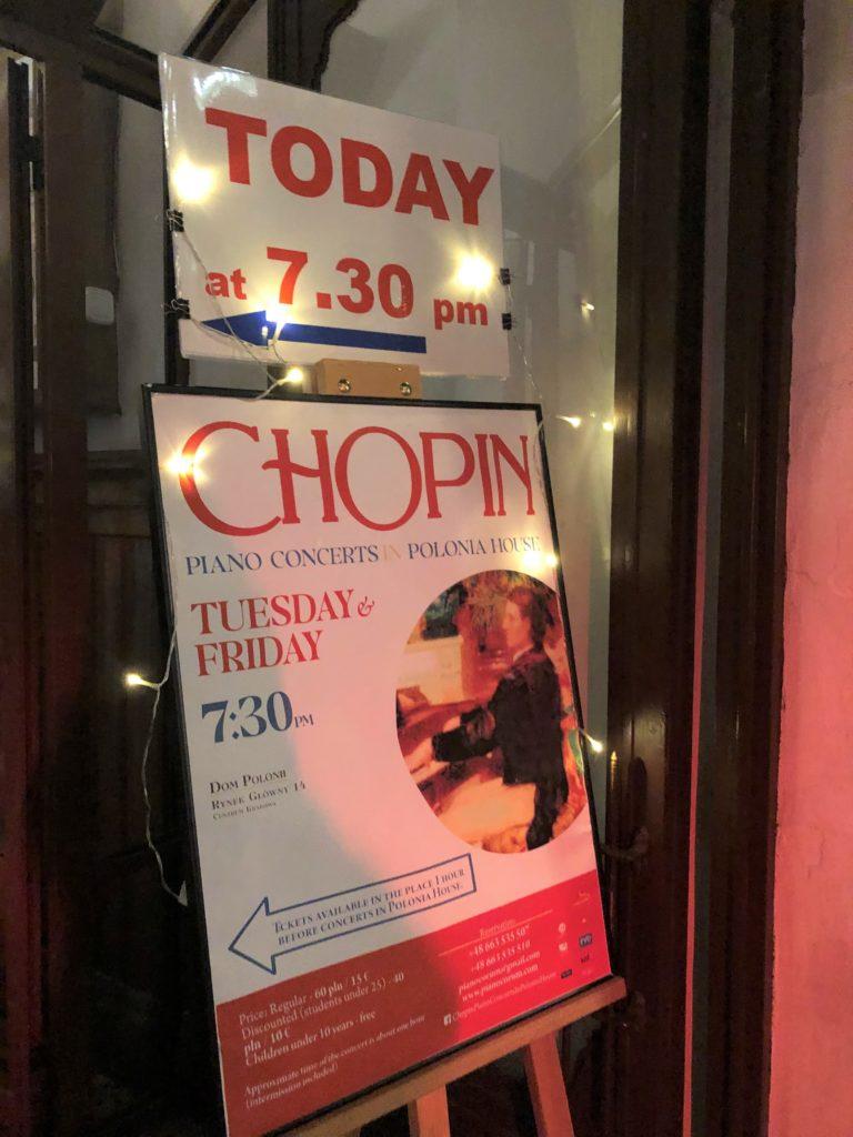 ポーランドのクラクフで7時半から始まるピアノコンサートのポスター