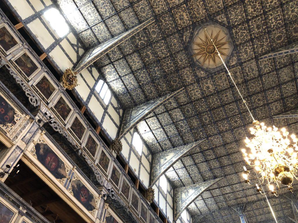 ポーランド、ヤヴォル平和教会のブルーの色彩が鮮やかな天井