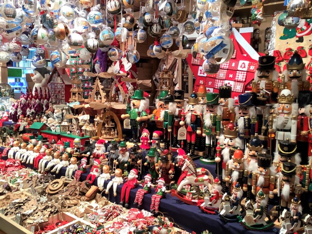 ウィーンのクリスマスマーケットのくるみ割り人形