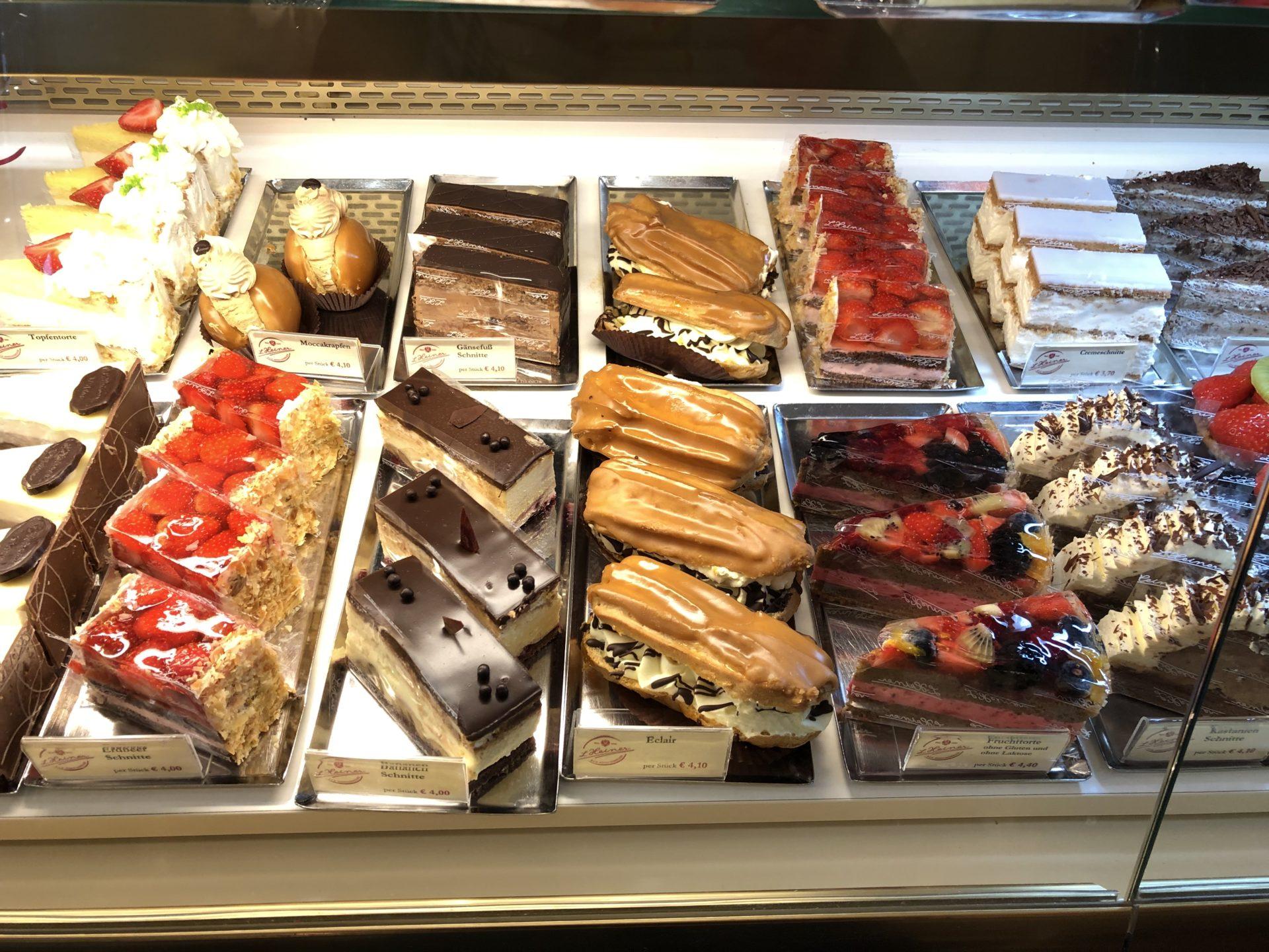ウィーンのケーキのショーケース