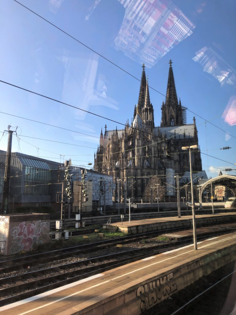 電車から見たケルン大聖堂