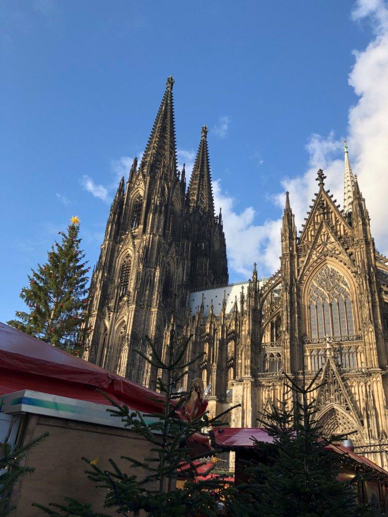 ケルン大聖堂とツリー