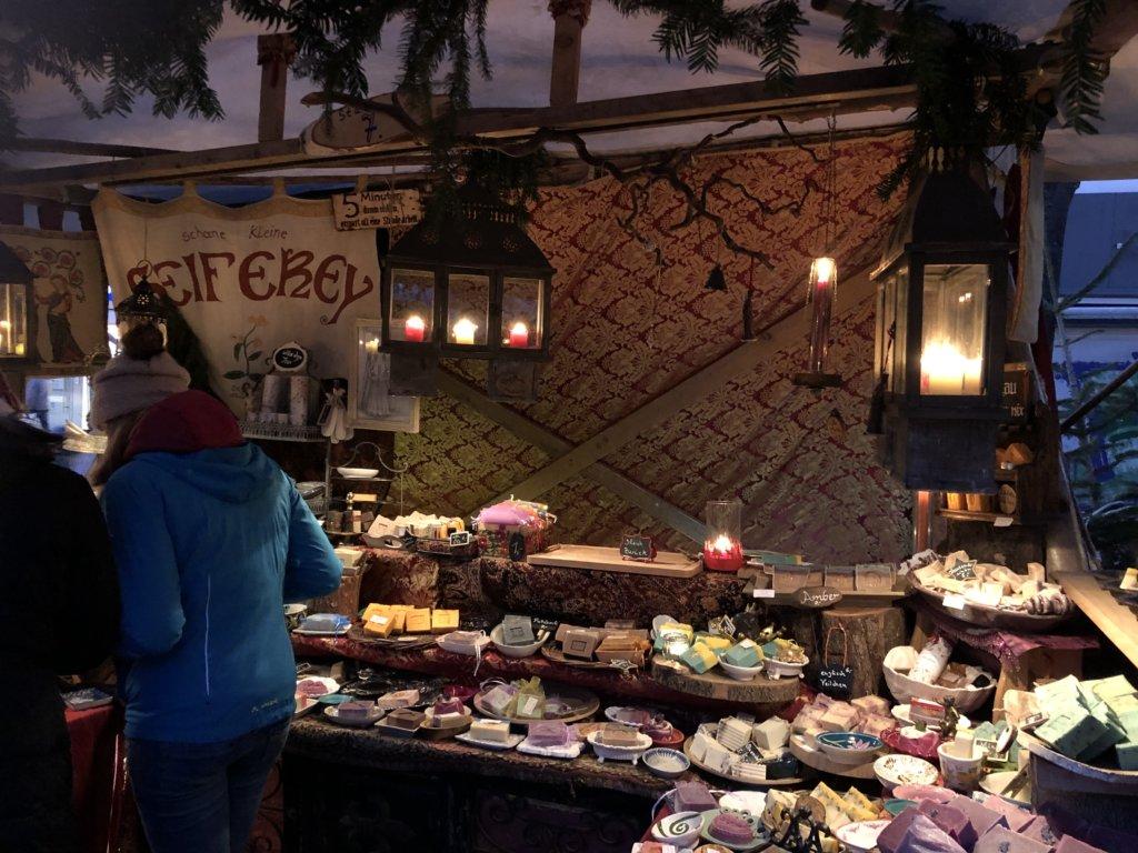 クリスマスマーケットの石鹸屋