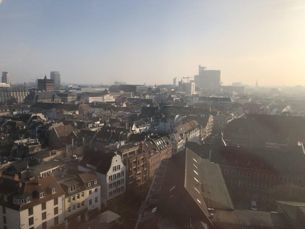 観覧車から見たデュッセルドルフの街並み