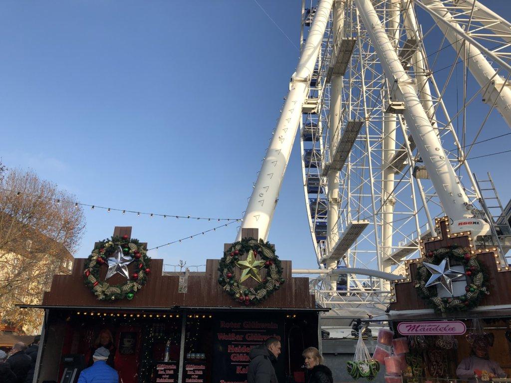 ドイツのクリスマスマーケットと観覧車