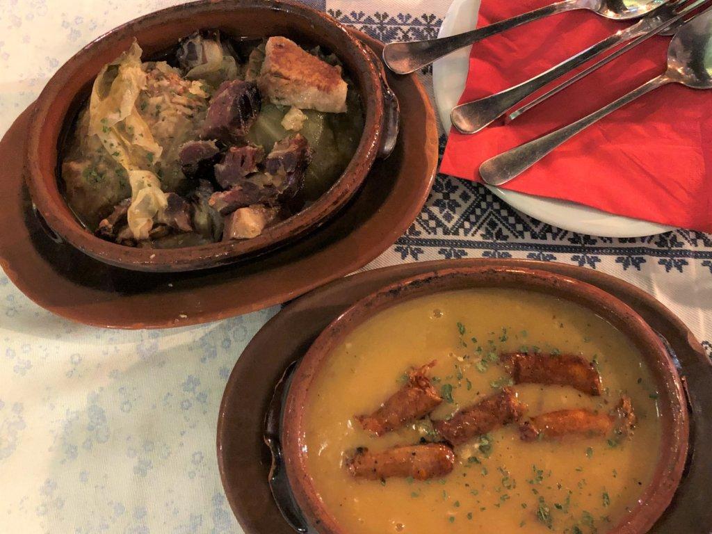 Sarma(サルマ)とCorbast pasulj(チョルヴァストゥパスゥリ)