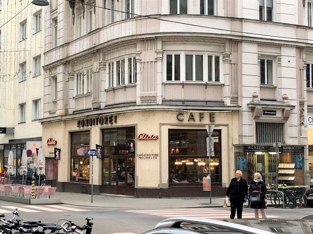 ウィーンのCafe-Konditorei Aidaの外観