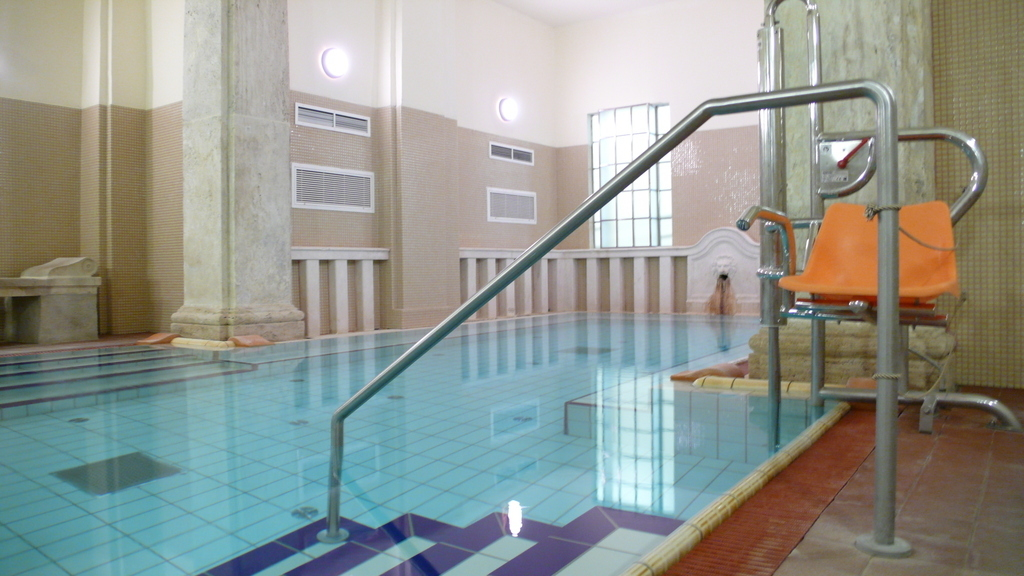 ブダペスト、ルカーチ温泉St. Lukács Thermal Bathsの36℃の温泉