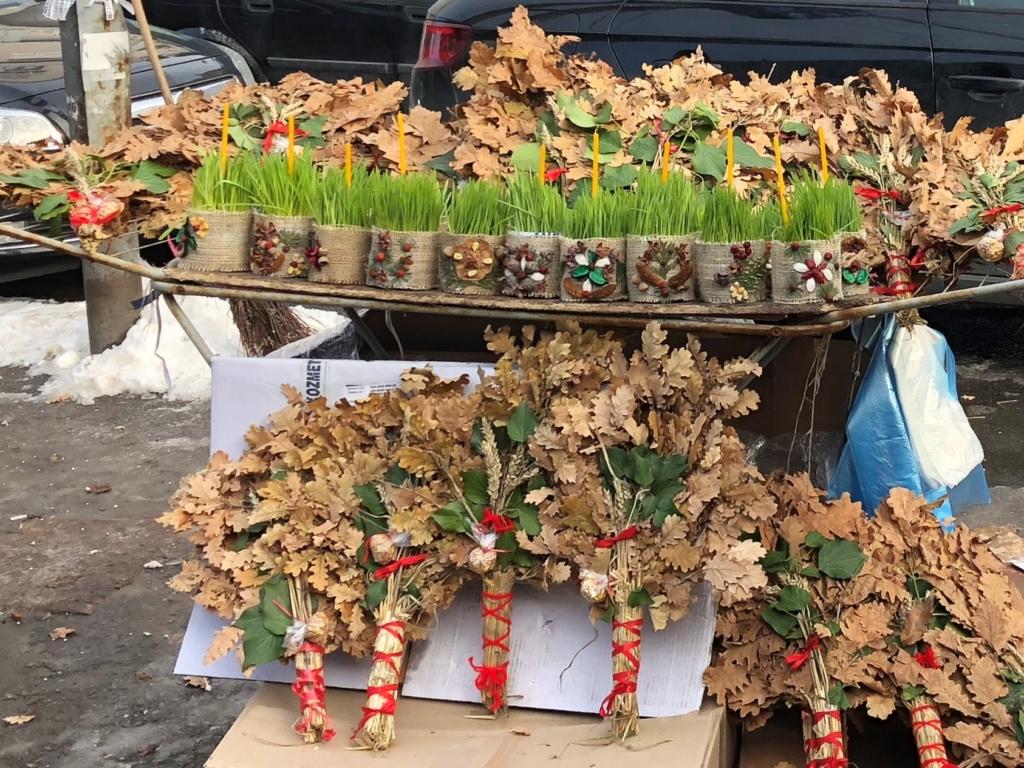 セルビアクリスマスに使うバドゥニャク(Badnjak)