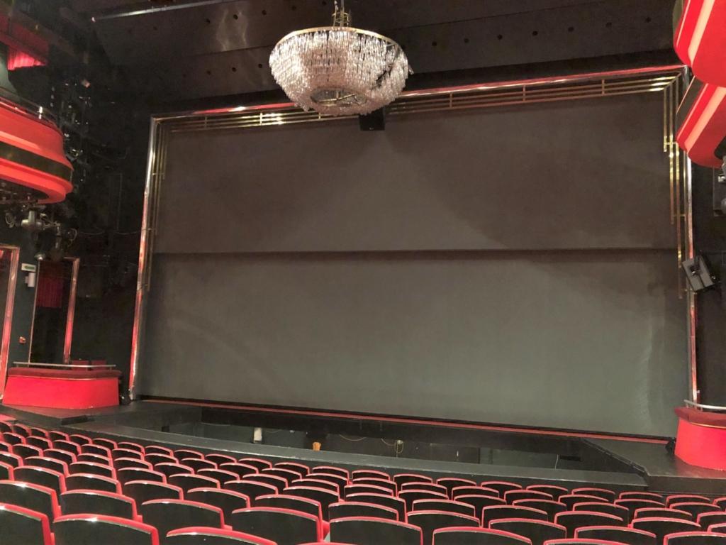 セルビア、ベオグラードのTerazije Theatre(テラジイェ劇場)の舞台