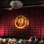 ベオグラードのTerazije Theatre(テラジイェ劇場)の舞台と幕
