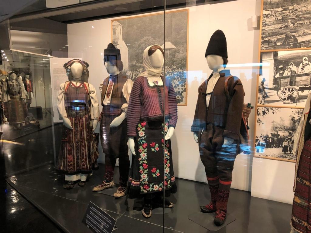 セルビアの民族博物館の民族衣装