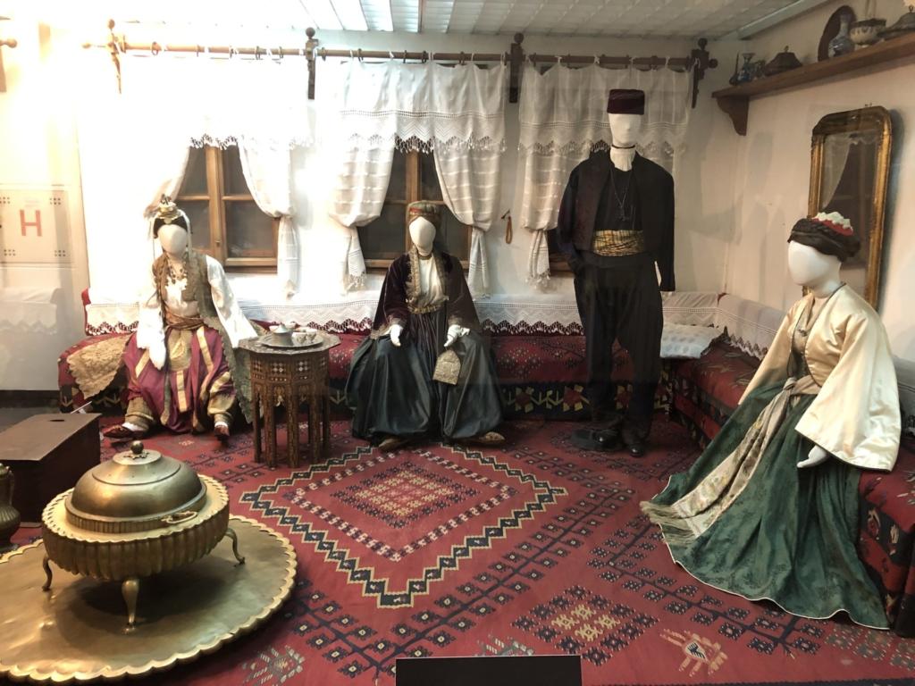 ベオグラードの民族博物館の絨毯敷きの家