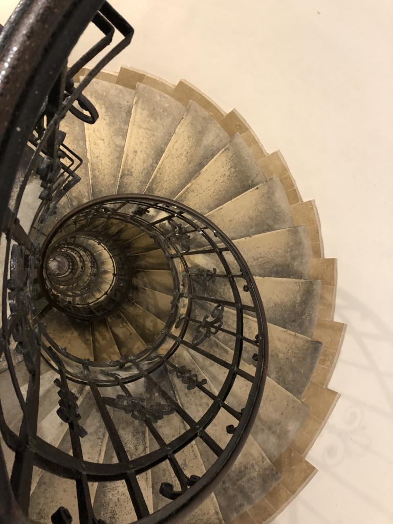 ブダペスト、聖イシュトヴァーン大聖堂のらせん階段
