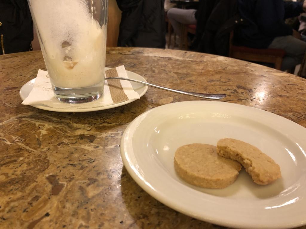 ハンガリー、カフェ・ジェルボーのクッキー