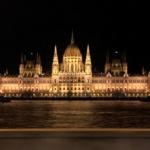 ブダペストの国会議事堂の夜景
