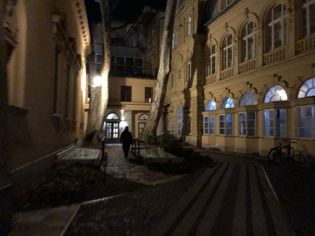ルカーチ温泉St. Lukács Thermal Bathsの建物入り口
