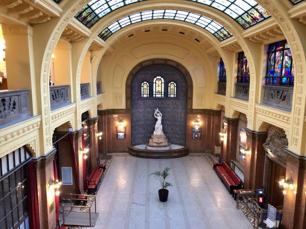 ゲッレールト温泉Gellért Thermal Bathのアーチ型の建物