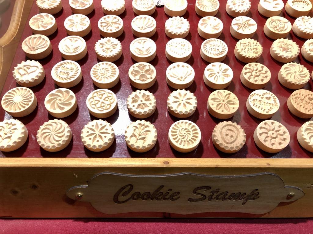 ブダペストのクリスマスマーケットのクッキーの押型