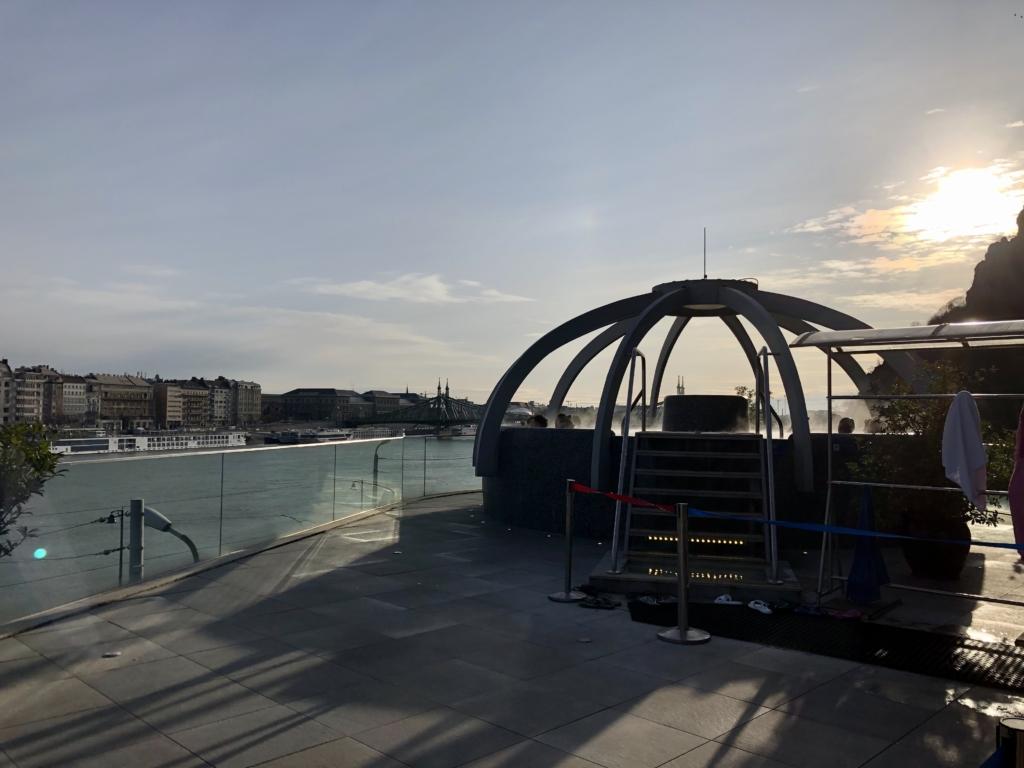 ブダペスト、ルダシュ温泉The Rudas Thermal Bathsの屋上露天風呂