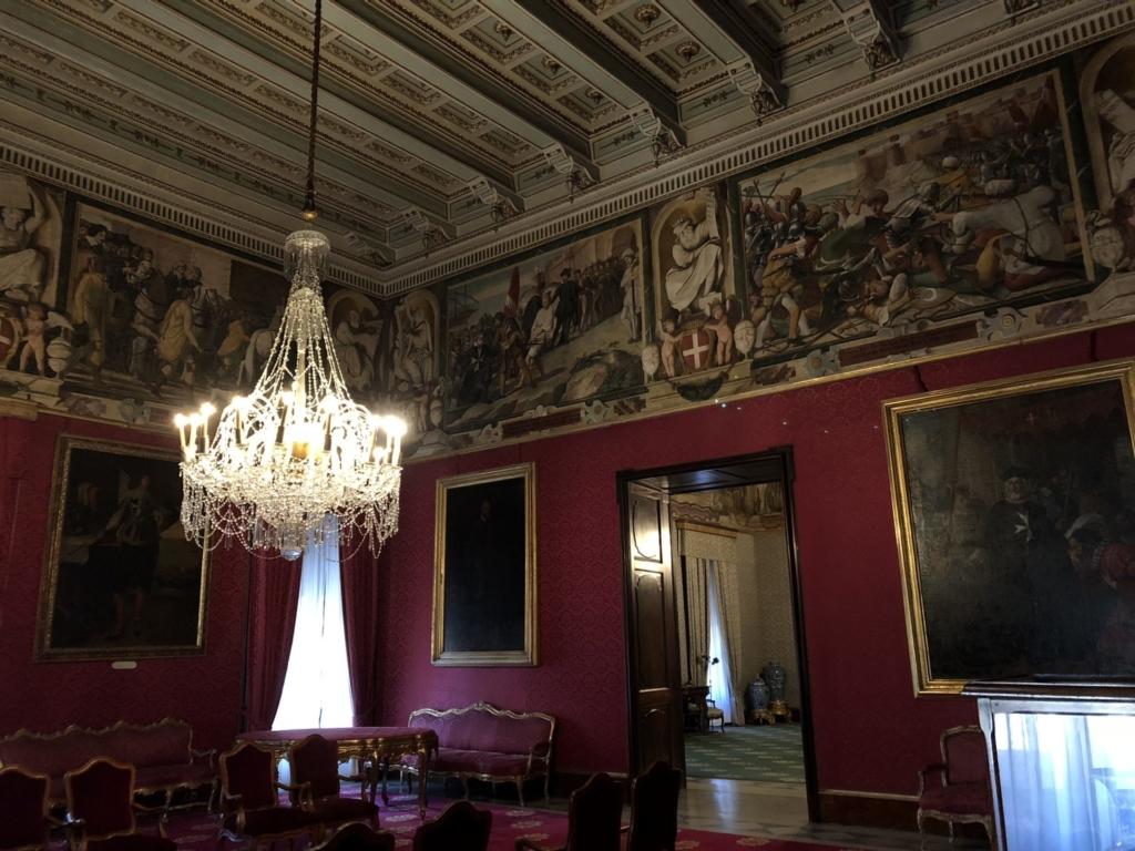 マルタ騎士団長の宮殿(Grand Masters Palace)の赤の間