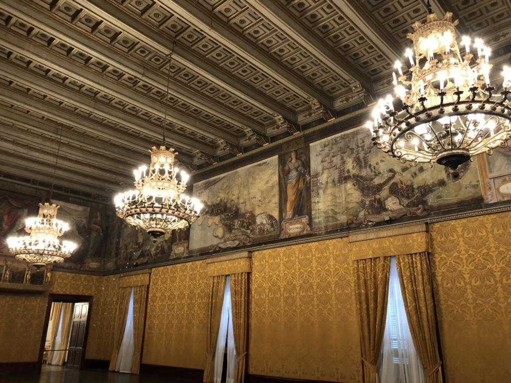 マルタ騎士団長の宮殿(Grand Masters Palace)の玉座がある部屋