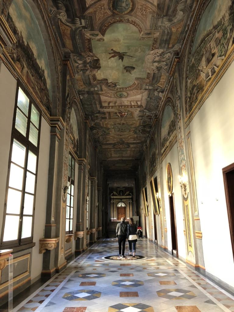 マルタ騎士団長の宮殿(Grand Masters Palace)の回廊