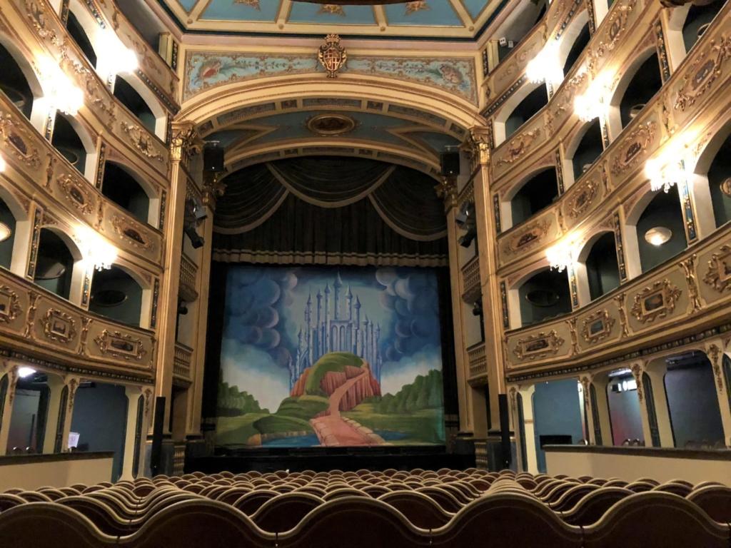 マルタ、Teatru Manoel(マノエル劇場)の観客席