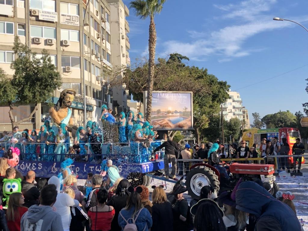 キプロスのリマソールのカーニバルの仮装