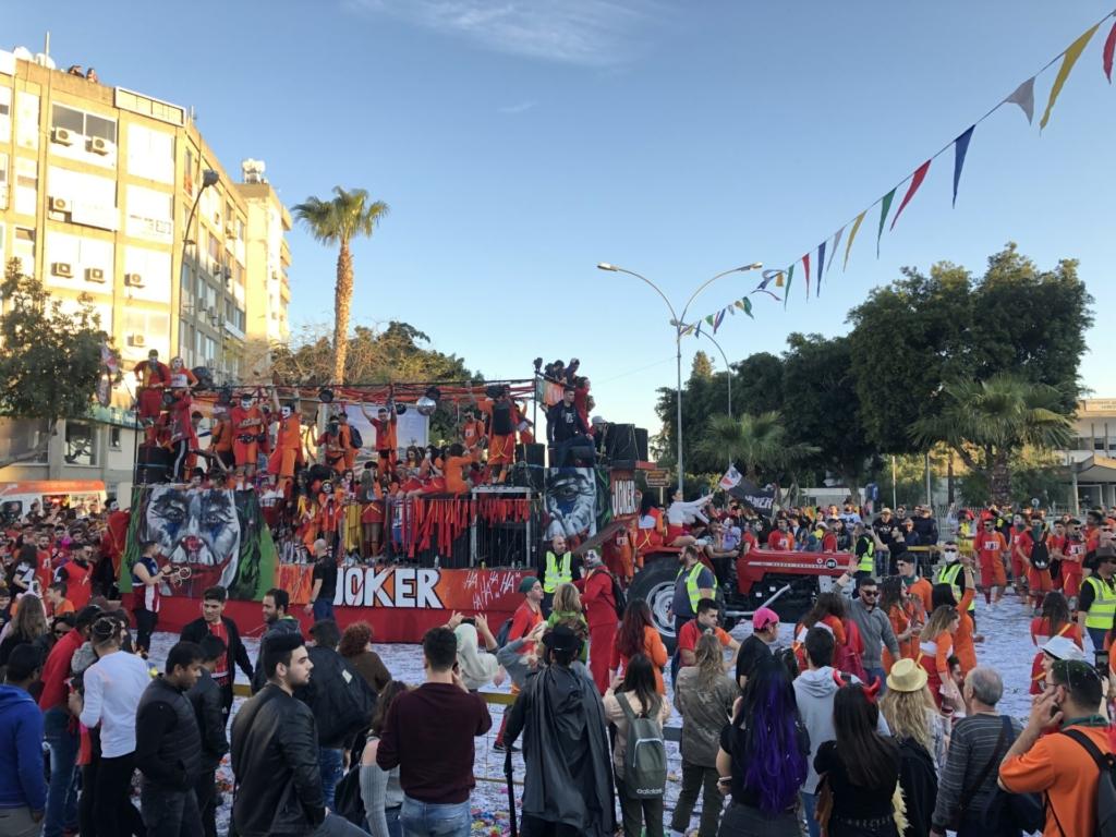 キプロスのリマソールのカーニバルのJOKERの仮装