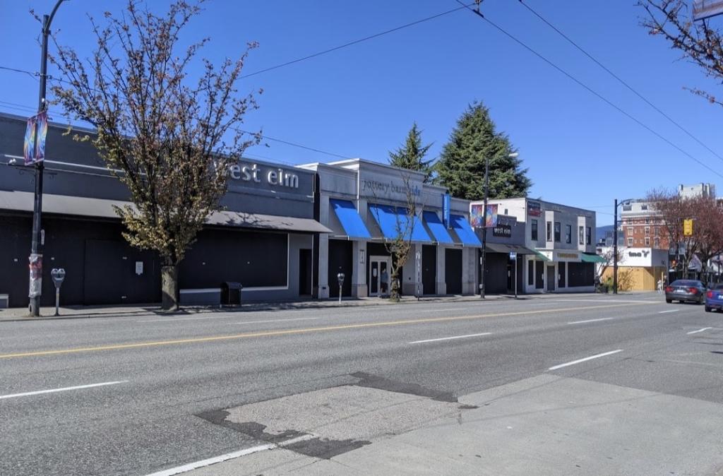 長期的休業中の商店街